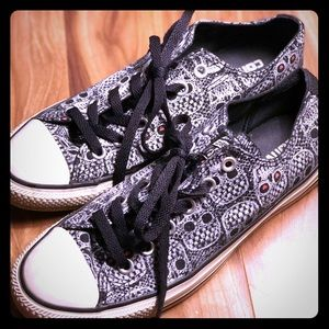 Converse All Star Low Top Black Skulls W7 M9
